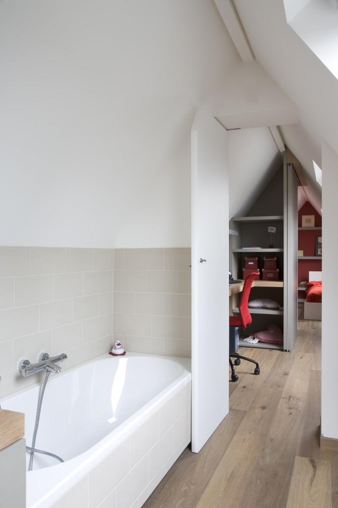Badkamer op zolder leggen - Kleine ijdelheid eenheid ...