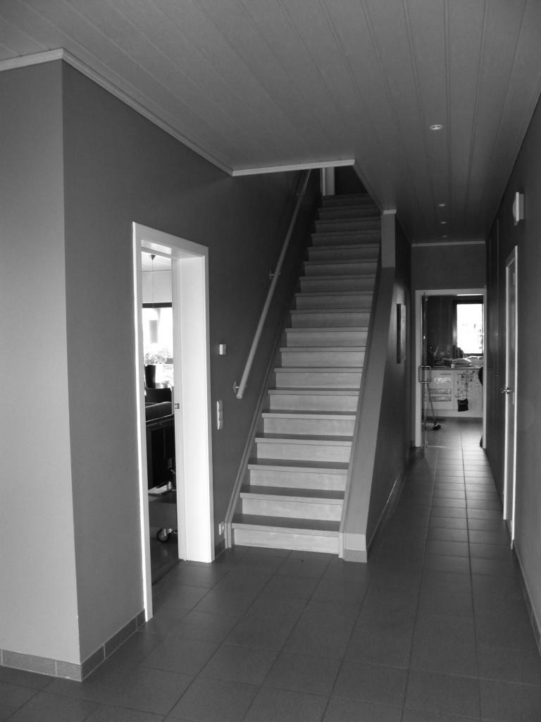 Woning te oelegem c ak 39 sent interieurarchitectuur - Huis met trap ...